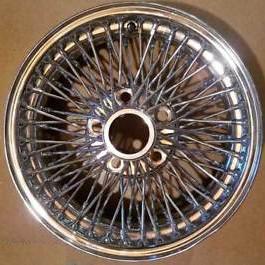 Polissage chrome miroir d'une roue de broche